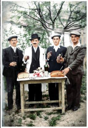 Cheers-for-Easter-in-romania-crist-is-risen-iisus-hristos-a-inviat-paste-oua rosi-pasca-biserica-sarbatoare
